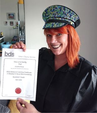 Photo Student with Certificate